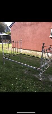 Decorative Antique Victorian cast iron and brass double bed frame - no reserve