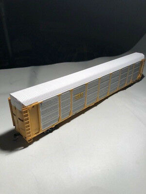 HO Scale, Walthers, Bi - Level Enclosed Auto Carrier, CSX road. Ready to Run