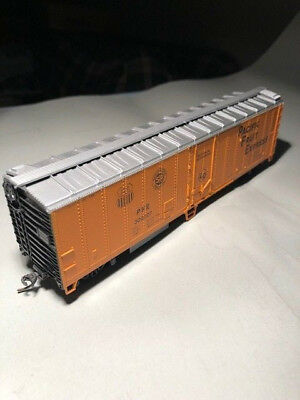 HO Scale, Athearn , 50' Mechanical Reefer Pacific Fruit Express road