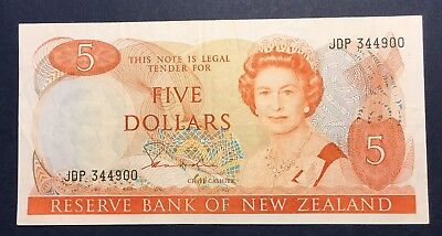 New Zealand  P171a $5 dollars 1981-1985, VF Banknote