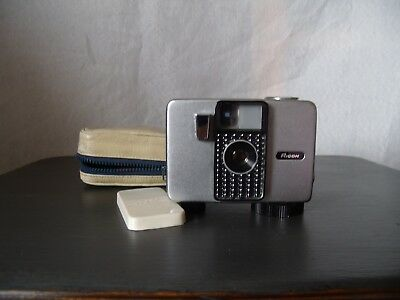 Vintage Ricoh Auto Half Camera Made In Japan - Restoration Or Parts