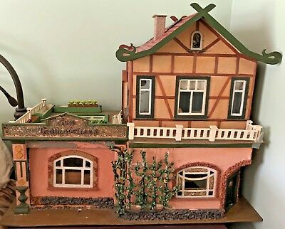 Antique German Dollhouse Late 1800's or Early 1900's