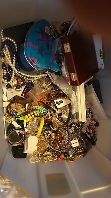 Huge Lot of Antique Vintage Modern Costume Jewelry Gold Silver 35-40lbs