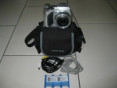 Olympus Digitalkamera SP-510UZ 10x opt.Zoom Sucher XD 7MP mit 4xAA Mignon Batter