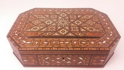 Beautifully Crafted Marquetry Inlaid Wooden Jewellery Trinket Box  FREE UK P&P