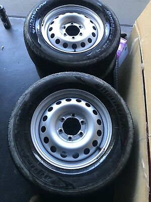 TOYOTA HILUX 2015 SR RIMS And tyres
