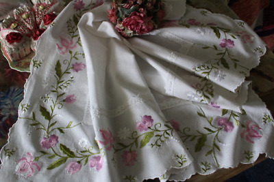 Gorgeous Vintage Embroidered Pink & White Flowers Tablecloth Vintage Linens