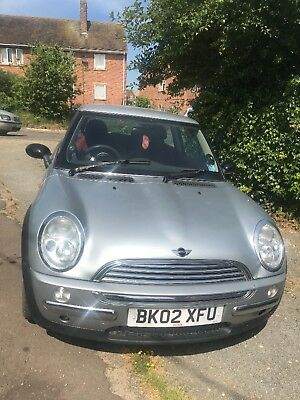 MINI 2002 cooper automatic (needs repair)