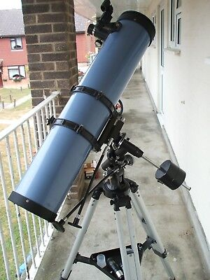 Sky-Watcher 130 EQ2 Newtonian Reflector Telescope 130/900 with red dot finder