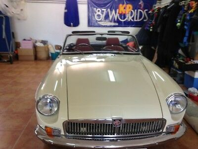 MGB Roadster fully restored lovely condition great colour
