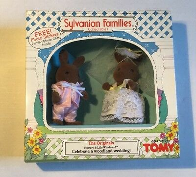 SYLVANIAN FAMILIES/Calico Critters Hickory Lilly Windward Wedding Bride Groom