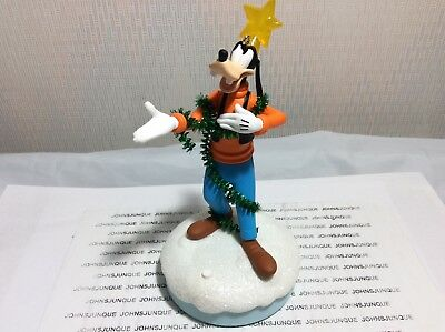 Gleeful Goofy Hallmark Ornament 2018 Disney Christmas Carolers Storytellers New