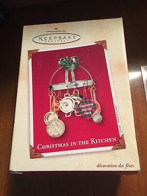 Hallmark Keepsake Ornament Christmas In The Kitchen 2002 Holiday Family Box Tag