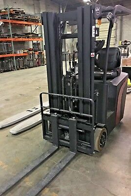 2200 Fully Electric Sit Down Forklift