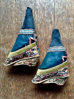 Antique Chinese Foot-Binding Shoes Embroidered. Orig Black Cloth Foot Shapers.