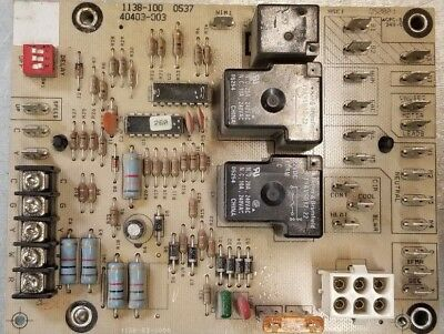 LENNOX ARMSTRONG HONEYWELL 1138-100 Furnace Control Board 40403-003