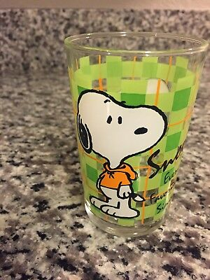 EXTREMELY RARE Snoopy Everyone's Favorite Beagle Glass Peanuts