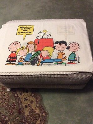 Vintage 1971 Charlie Brown Peanuts Snoopy Gang Happiness is Pillowcase Shultz