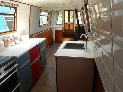50ft Narrowboat, Ideal Liveaboard, Houseboat or Pied-a-Terre with Egham Mooring