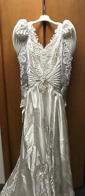 Vintage White Wedding Dress 1990s Beaded Long Sleeve with Veil Size 9