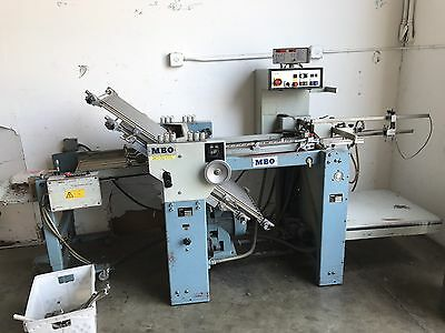 MBO Folder Pile feeder with Right angle and rollaway delivery table