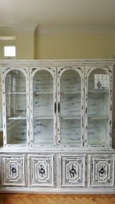 Stunning Vintage Dresser in Antique White Colour with Distress Look