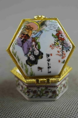 Collectible Handwork Porcelain Paint Lifelike Belle Fashion Lucky Ring Jewel box