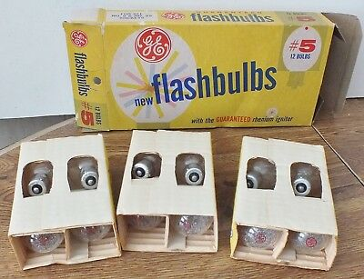 VINTAGE GENERAL ELECTRIC GE - FLASHBULBS New Old Stock One Dozen In Box