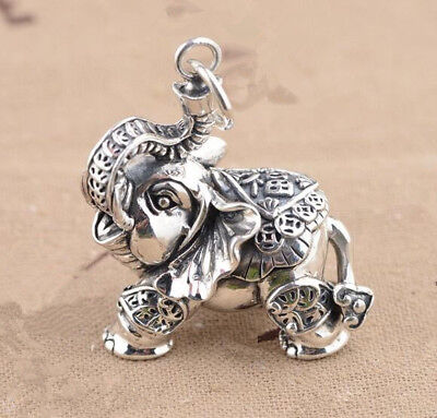Chinese Exquisite Hand Engraving Tibetan Silver Carving Elephant Small Pendant
