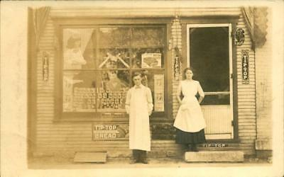 1912 RPPC Postcard Dayton Ohio Eyre Grocery Store TIP TOP BREAD ADVERTISING SIGN