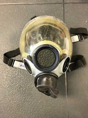 US Military Gas Mask MSA 5479 with canister filter