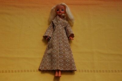 Vintage 1970s Centre Parting Sindy Doll  Stamped 033055X/033029/033030