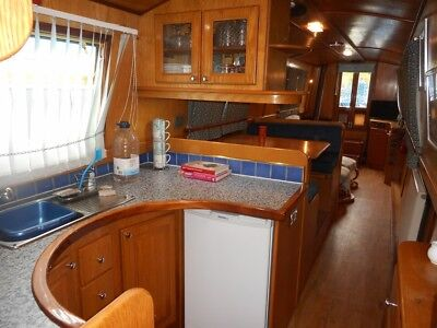 55ft Narrowboat, Ideal Liveaboard, Houseboat or Pied-a-Terre, very well equipped