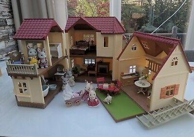 Sylvanian families - Beechwood hall, cosy cottage, furniture and figures