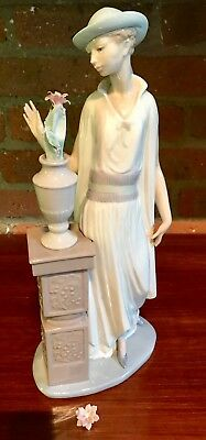 "Lladro Figurine ""Lady Grand Casino""  5175"