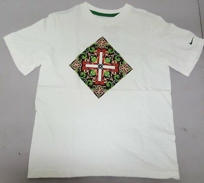 Nike Boys White T-Shirt Design In the Middle Short Sleeve