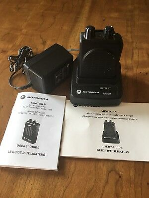 Motorola Minitor V Stored Voice 151-158.9 MHz VHF Fire EMS Pager w Charger p214