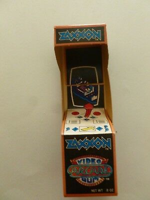 VINTAGE 1983 Topps ZAXXON Video Arcade Gum Box  - FILLED Never opened