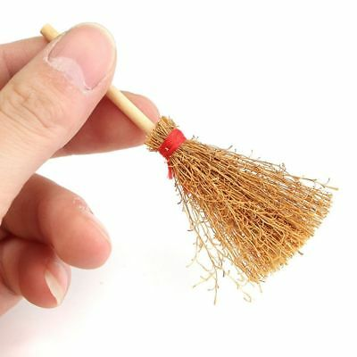 Dollhouse Miniature 1:12 ToyWood Broom Witch Kitchen Garden Cleaning Tool Decor