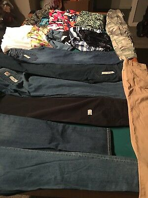 Juniors/  Womens  Size 4 Clothing Lot Of 19 Pieces