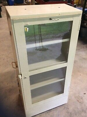 Toms General Store Peanuts Display Cabinet