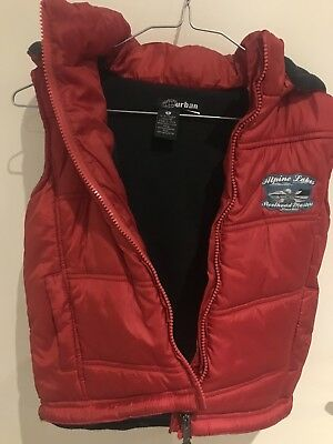 PUMPKIN PATCH URBAN padded Boys Hooded Vest Size 5   PRE-LOVED IN GOOD CONDITION