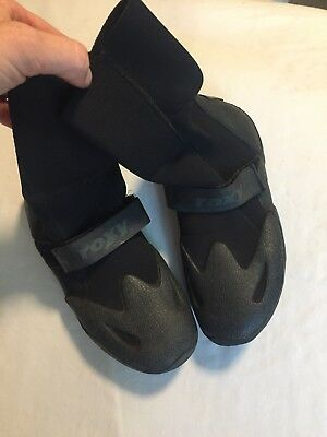 9ac3a56cde5b ROXY ROUND TOE surf booties - Black - size 8 -  5.50