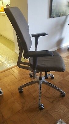 Fully adjustable office chair, grey wool