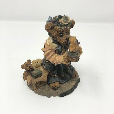 Boyds Bears & Friends Bearstone Collection The Collector Figure With Collection