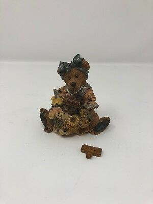 Boyds Bears & Friends Bearstone Collection Justina The Message Bearer Figurine
