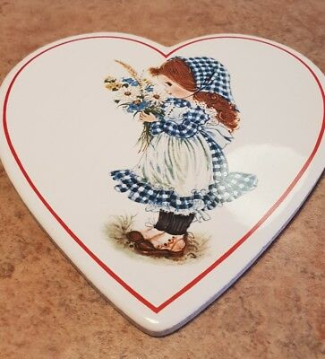 Small Wall Plaque & vintage Holly Hobbie reminders book.