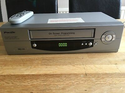 PACIFIC PV204 VCR VHS Video Cassette Player/Recorder & Remote Control