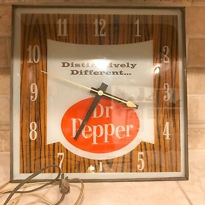 Dr Pepper Vintage Advertising Clock   1960s Pam Electric Clock Co  Clock works
