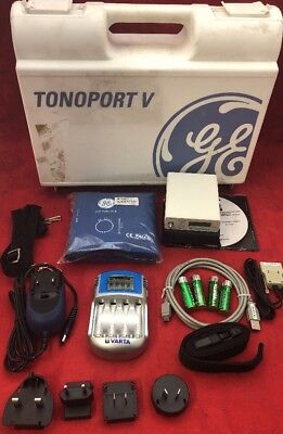 TONOPORT V Blood Pressure Data Recorder 2001589-092 w/Charger & Cuff Unit 1